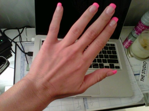 gel nails hot pink