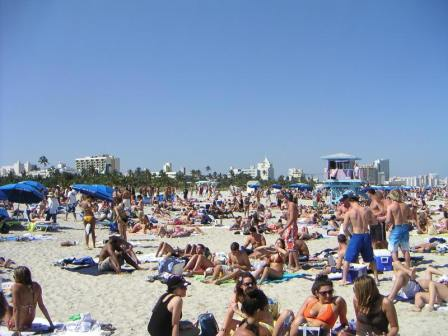 south-beach-spring-break-people