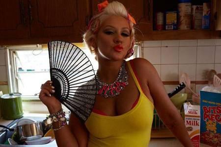 christina-aguilera-pin-up-vintage