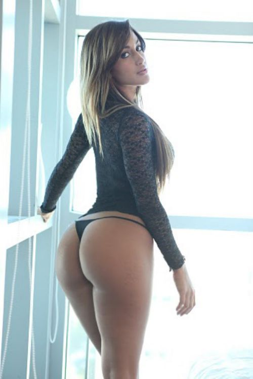 Miami Cuba model Claudia Sampedro